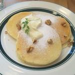 カフェ&パンケーキ gram - ココナッツカスタードパンケーキ