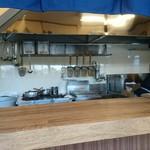ラーメン サンガ - 厨房