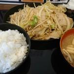 ぶたまる食堂 - 料理写真:肉野菜炒めライス