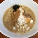 麺鯉 - 背脂煮干ラーメン(750円)