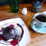 マイウィング - 料理写真:ケーキと珈琲
