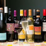 PIKOSHHHU - グラスワイン 各国のワインを厳選