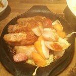 Megurofuratto - 豚のグリルごちそうソース