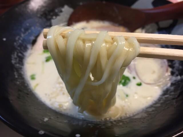 ぼっこ志 - 鶏白湯(750円)麺リフト