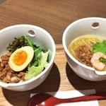 彩茶房 - 魯肉飯&担仔麺