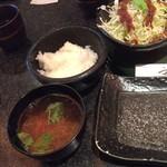 68066832 - 定食のご飯と赤出汁