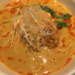 龍福小籠堂 - 担々麺(´∀`) 味はまずまず 次は熱いスープで改善ヨロシク