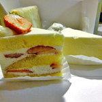 ビッテ - 苺のショートケーキ & レアチーズケーキ
