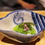 竹ざき - 料理写真:たことおくらを海ぶどうとちり酢であえて。ああ、一品目から品格が違う(^^)。