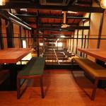 高野麦酒店takanoya - 2Fテーブル