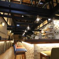 高野麦酒店takanoya - カウンター席