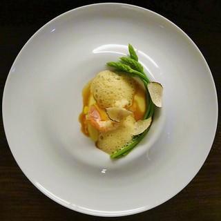 シャンペトル - 料理写真:ポロネギのフラン 駿河湾産アカザエビとそのソースで