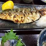 まるさん松本 - 真鯖も美味しそうでした。 お刺身が脂がのってて美味しい。