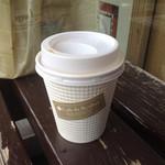 カフェ ド リュウバン - テイクアウトの本日のコーヒー(税込100円)