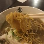 らーめん空 - 味噌ラーメンの麺