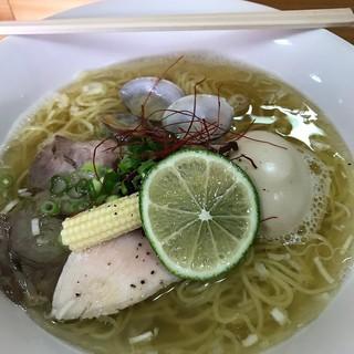 杏子 - 料理写真:特製の塩ラーメン(全部入り)