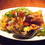 ベトナムフロッグ - ハーブライスと油林鶏
