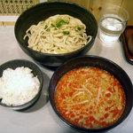 つけ麺 玄瑞 - 「坦々つけ麺(中盛)」780円とクーポンでサービスの「ご飯」