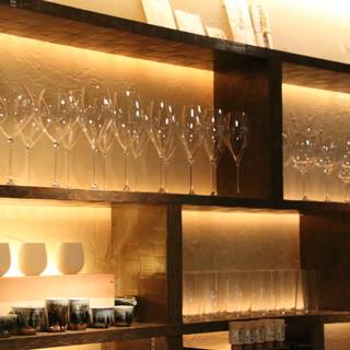 【落ち着いた雰囲気】日本酒専用のグラス!本格和食と多彩な酒器