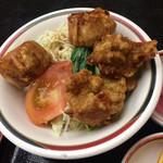藤田屋 - 唐揚げと揚げ焼売は普通のお味でした。