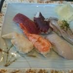 丸竹都寿司本店 - 握りセットのお寿司