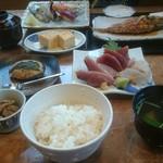 丸竹都寿司本店 - さんが焼きと刺身定食