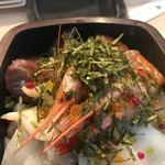 彩り海鮮 KURAGE - 海鮮丼ランチ1200円。
