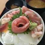 大遠会館 まぐろレストラン - 海鮮丼