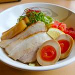らーめん餃子 金虎 - 【当店自慢】暑い時期にピッタリのごま味噌つけ麺