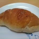 ばーすでい - 塩バターロール(118円)