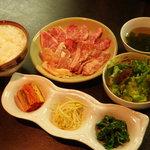 焼肉 充 - 1500円平日限定 夜定食
