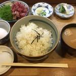 和可奈鮨 - あじのたたき丼(並)