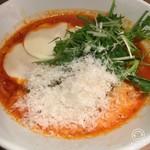 麺Dining セロリの花 - モッツラレチーズのトマトスープ麺700円