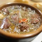 スパニッシュ レストラン チャバダ - 牛アヒージョ