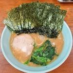 武蔵家 - 料理写真:ラーメン600円麺硬め。海苔増し100円。