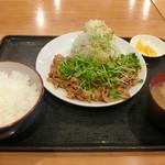 豚さん食堂 - DX辛い生姜焼き定食+ミニ豚汁