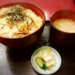 知床 かに乃家 - 親子丼は864円•••