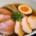 68137135 - 醤油らぁ麺(チャーシュー各2枚増)