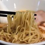 68137153 - 醤油らぁ麺(チャーシュー各2枚増)