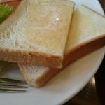 珈琲館 - トーストはうすい…おいしいけど