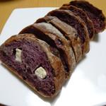 ベーカリーカフェ 明治堂 - テイクアウトのパン 断面