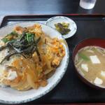 宇佐屋うどん - カツ丼640円
