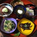 わた亀 - セットの選べるお惣菜見本