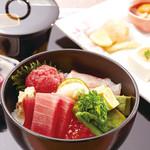 つつじの茶屋 - 行楽御膳(海鮮丼)