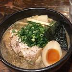 吉山商店 - 濃厚魚介焙煎ごまみそラーメン