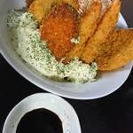 めし処 月の魚 - ミックスフライ