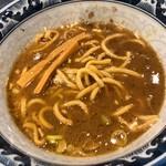 兎に角 - 割りスープを注いで豚骨魚介ラーメン