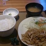 やよい軒 - 料理写真:生姜焼き定食630円