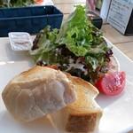 オープンカフェ - まるごとやまなしトースト 丸十製パンのパンが絶品