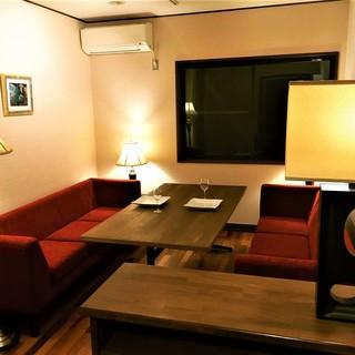 個室は2名様用から各種人数に合わせたお部屋をご用意